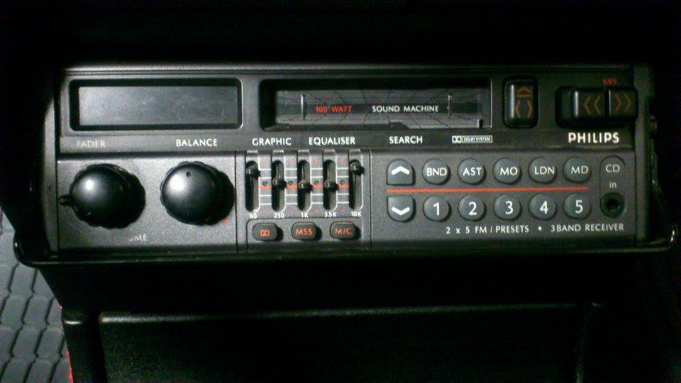philips sound machine peugeot 205.jpg